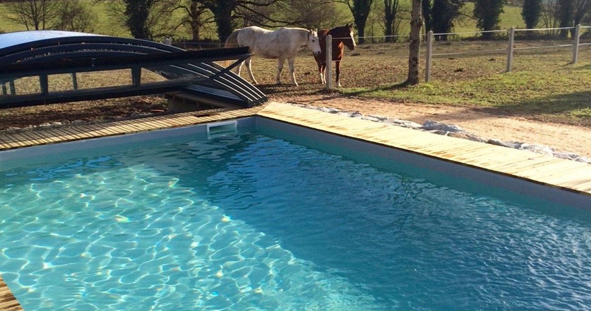 G te de charme allier avec piscine location de vacances for Piscine montlucon